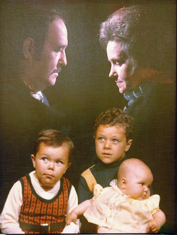 Creepy family portrait | Families | Pinterest | Kid, Dads ...
