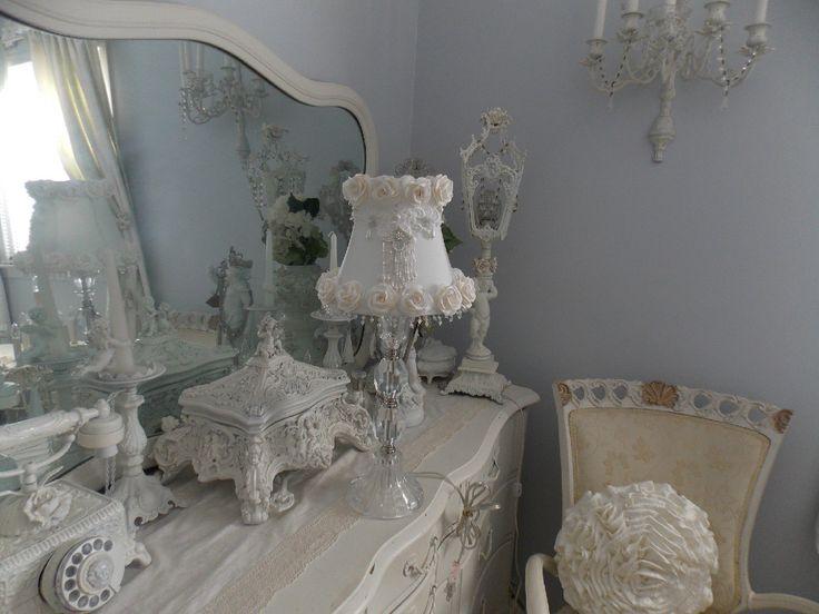 Retired Rachel Ashwell Simply Shabby Chic Table Lamp w White Rose Lamp Shade