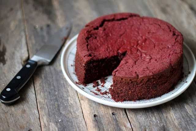 A Travelling Cook: Vegan chocolate beetroot cake