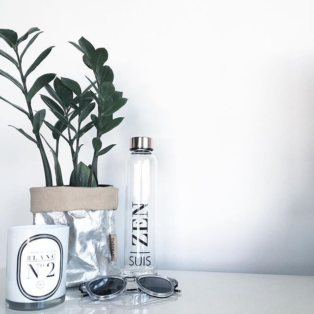 The sunnies are out. The Zanzibar is happy. The ZEN is coming out to play. Spring is here in all her might glory! Shop our ZEN bottle featuring 22.5K Rose Gold plated lid. Desk inspiration. Office inspiration. Interior decor. Interior design.