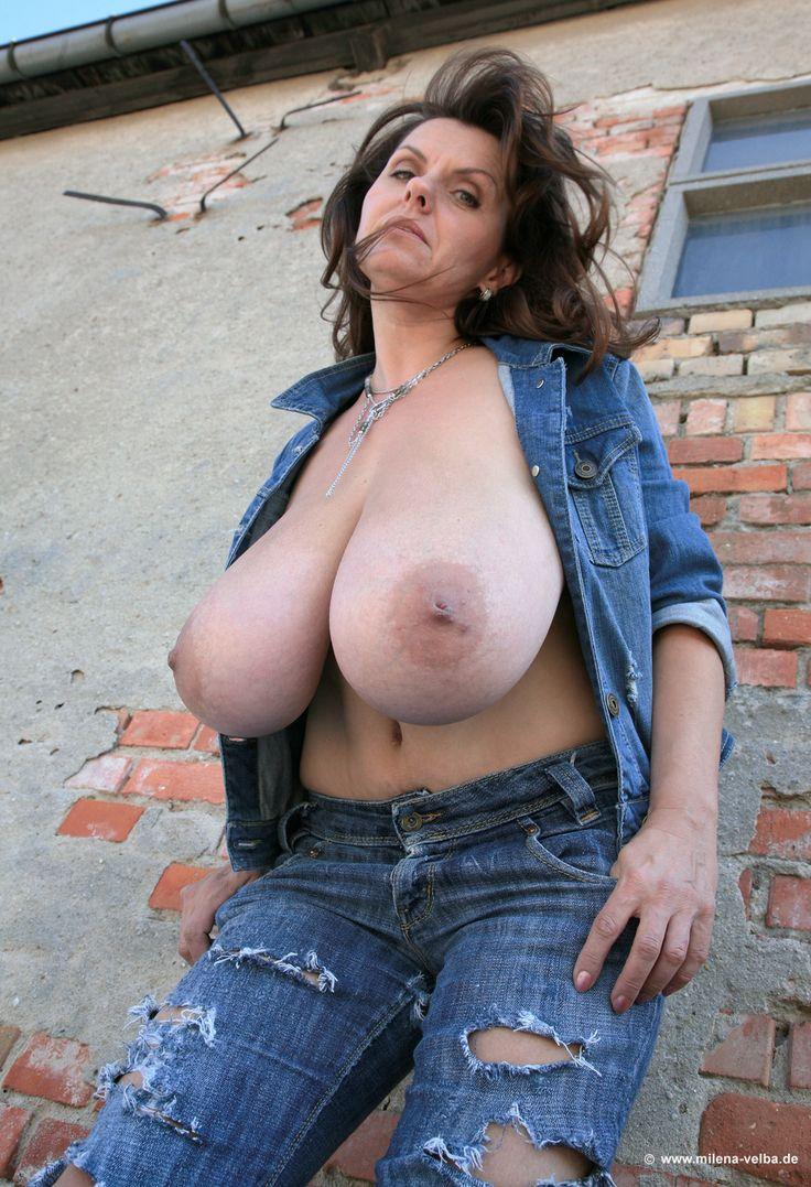 girls loose asshole naked