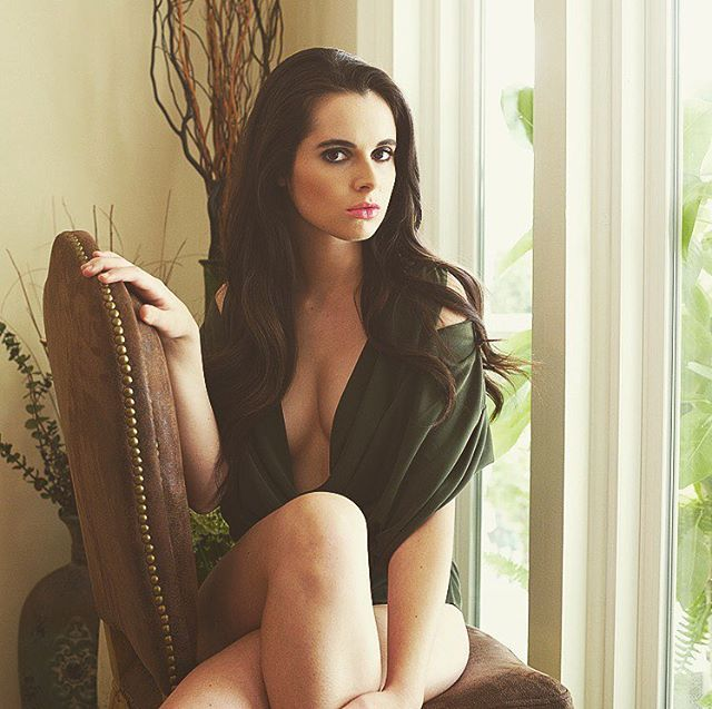 #WCW    | Switched at Birth