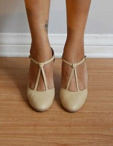 1000  images about Pleasingly Pumps on Pinterest | Wedding shoes ...