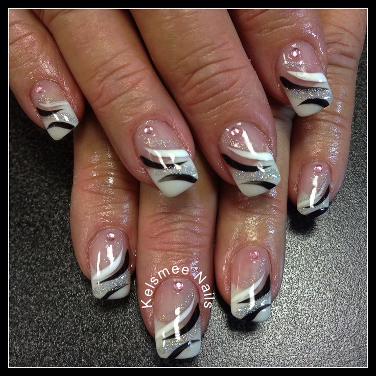 YoungNails gel frenchmanicure with black And white nailart