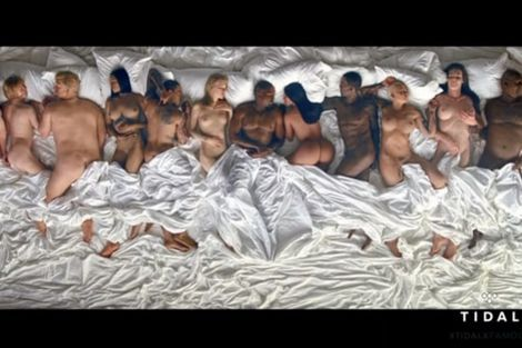 Kanye West deelt bed met naakte sterren|Prive| Telegraaf.nl
