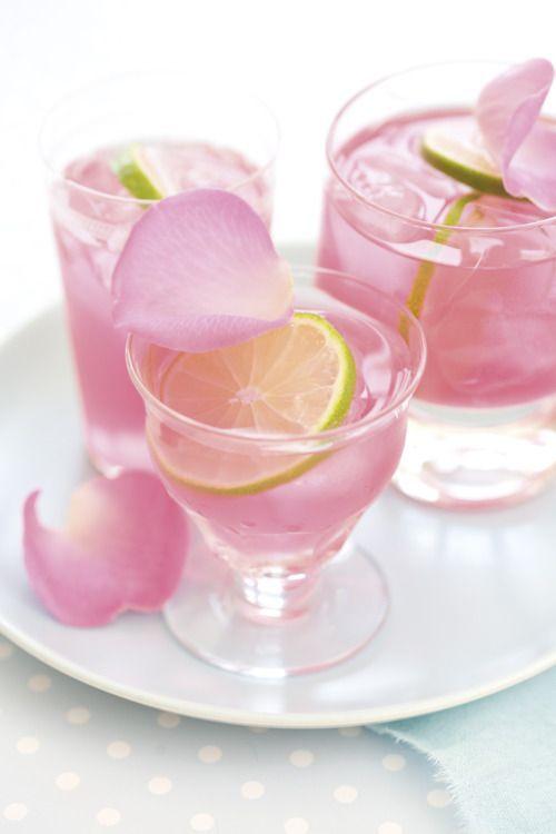 Succo di petali di rosa e pompelmo