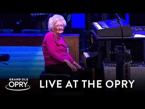 98-Year-Old Grandma Interrupts A Country Singer's Performance. Nobody Expected THIS…