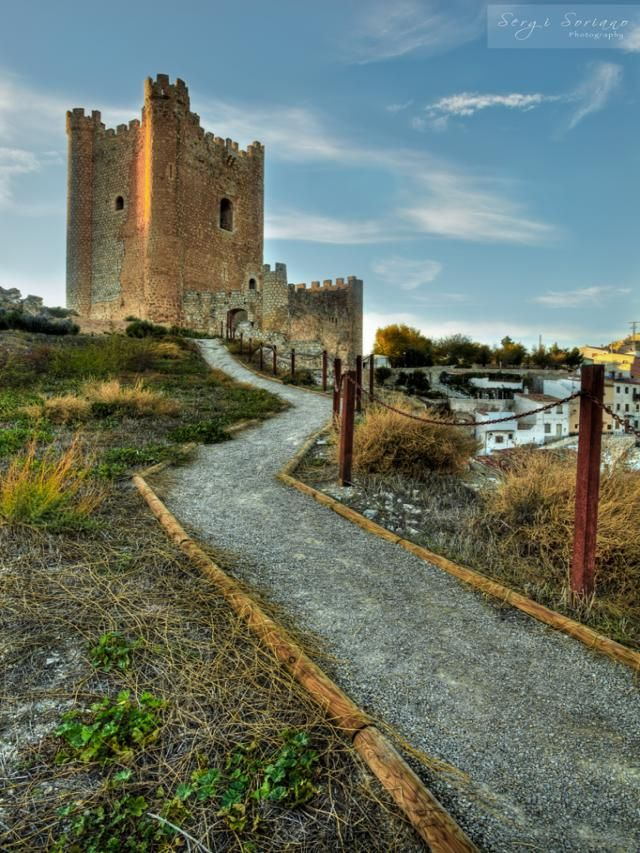 CASTLES OF SPAIN - The castle of Alcalá del Júcar is of Almohad origin (12th - centuries) , located in the province of Albacete, above the gorge of the Júcar river. It was, as other castles and lands in this area, occupied by Iberians, Romans, Visigoths, Arabs and Christians. When Alfonso VIII of Castile conquered this land around the year of 1213, the castle was occupied by Christians. Later in time, it belonged to Marquis of Villena.