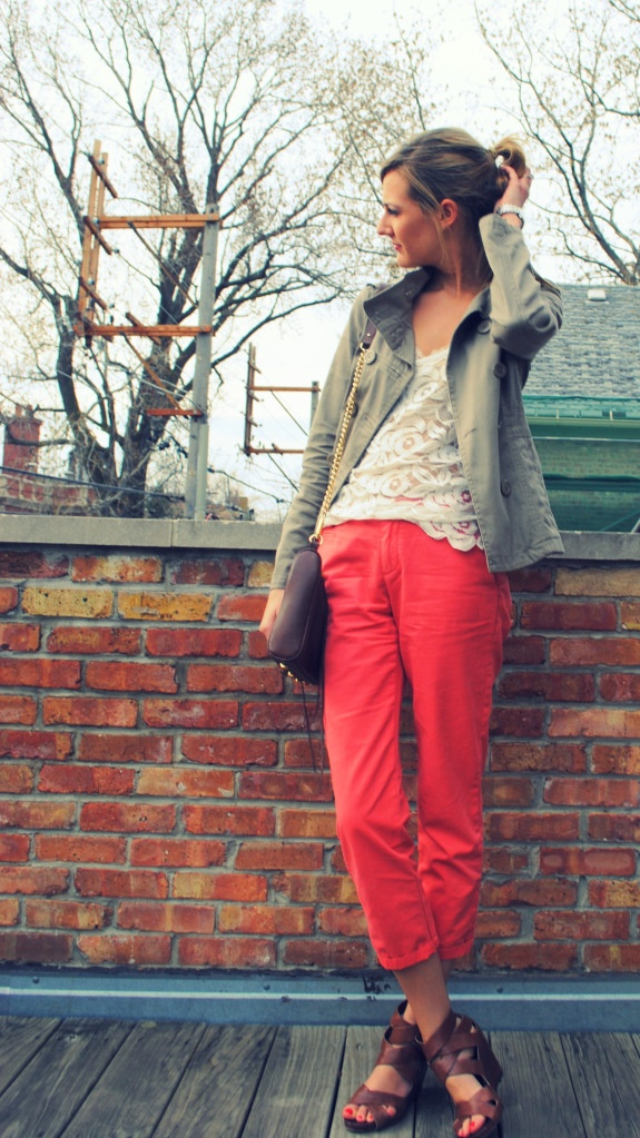 nice mix. @lauren kelley: Seejaneworkplayl Blogspot Com, Colored Pants, Colors Pants, Style Inspo, Brown Wedges, Style Pinboard, Brown Shoes, Coloured Pants, Bright Pants