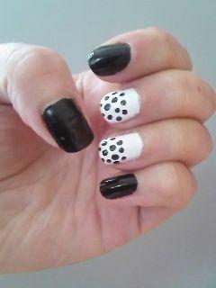Classic Black n White Dot