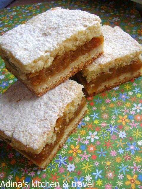 Adina's kitchen & travel: Prajitura cu mere sau dovleac in doua foi