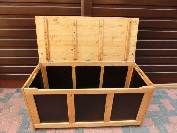 Die Kiste habe ich verschenkt. Gebaut habe ich diese Auflagenbox aus Lärchenholz. In Verbindung mit der Xyladecor-Dickschicht-Lasur hält die Kiste über Jahre draußen. Als Vorlage hatte ich noch eine alte Kiste aus Teakholz. Auflagenkiste selber bauen Heute würde ich diese Kiste... #auflagenbox