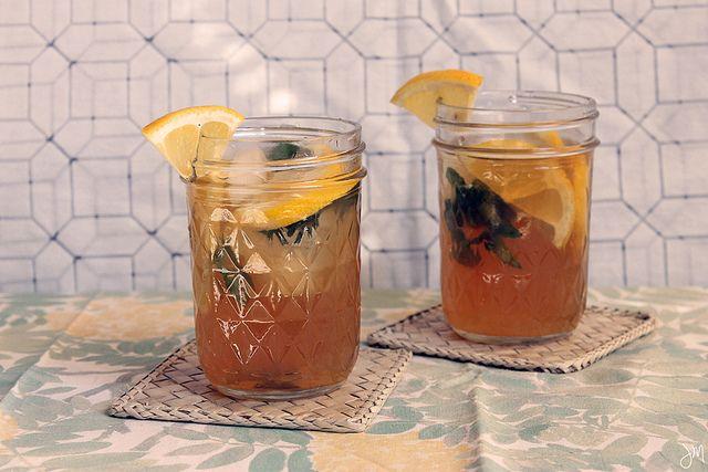 sweet tea vodka lemonade with mint