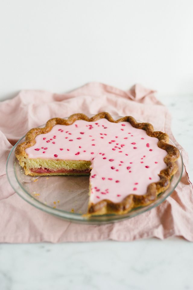 mbakes: Rhubarb Bakewell pie