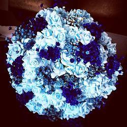 Buquê de Mini Rosas Azuis                                                                                                                                                                                 Mais