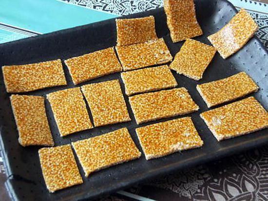 La meilleure recette de Nougat chinois au sésame! L'essayer, c'est l'adopter! 4.3/5 (19 votes), 10 Commentaires. Ingrédients: 100g de graines de sésame blanches ou dorées, 100g de sucre en poudre, 2càs de miel