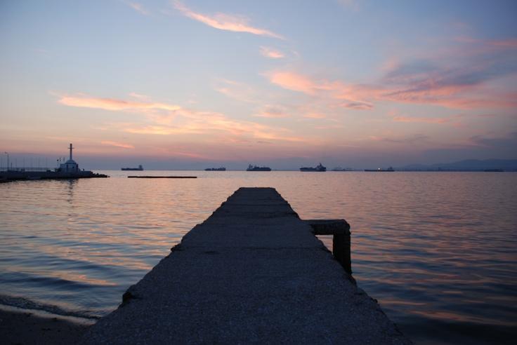 A very beautiful sunset. (Walking Thessaloniki, Route 18 - Kalamaria)