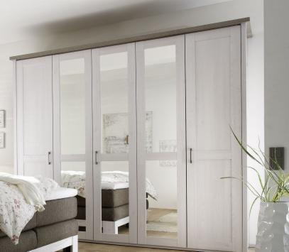 Schlafzimmerschrank weiß modern  Die besten 25+ Kleiderschrank schwebetüren Ideen auf Pinterest ...