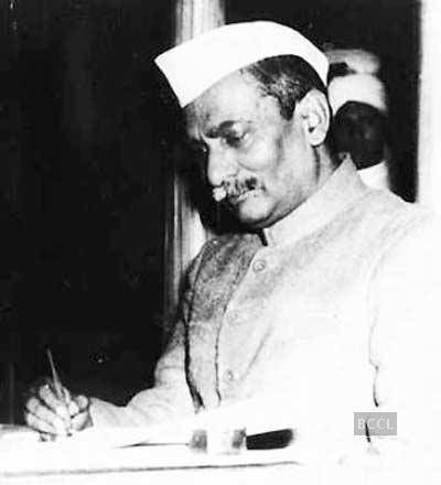 Freedom fighters of India  Dr. Rajendra Prasad played a crucial role in Indian freedom struggle as he immersed himself fully into the 'azadi andolan'.