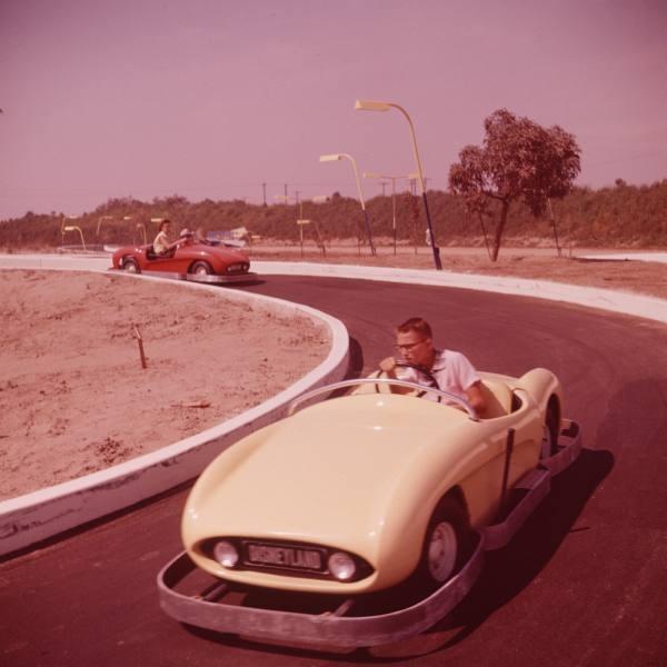 Best Disneyland Images On Pinterest Disney Magic Vintage - 18 amazing rare colour photos disneyland 1955