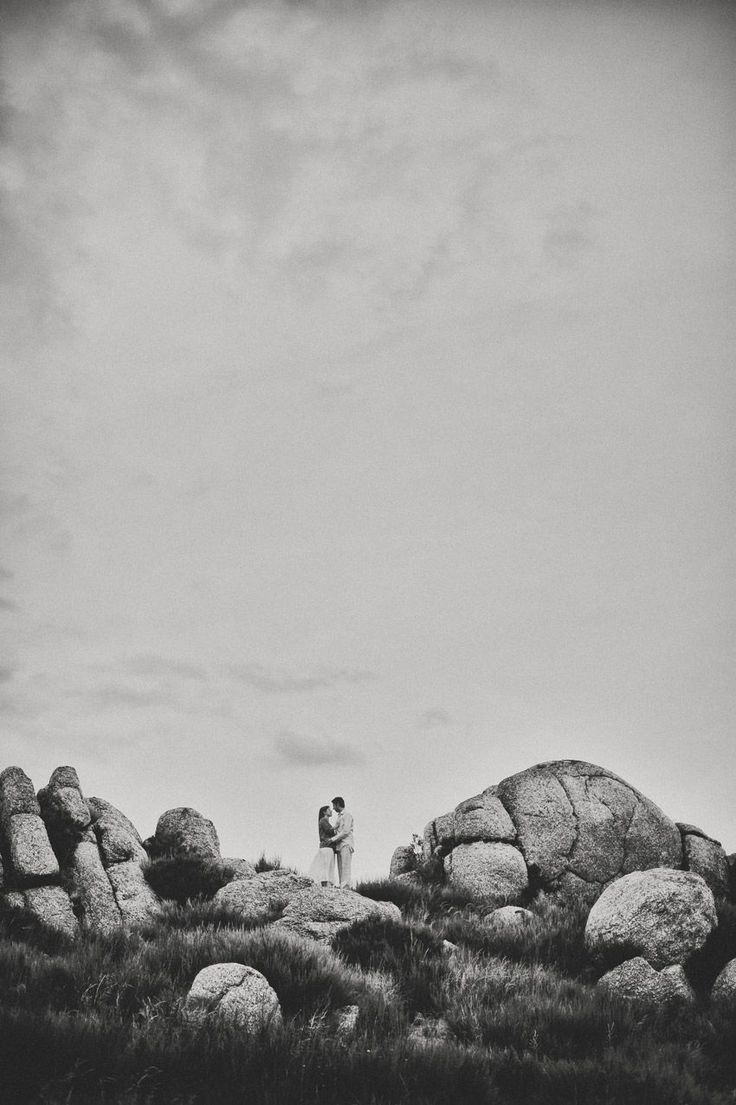 An engagement shoot in Serra da Estrela mountains...  Noivado na luz da montanha...   #Engagement #inspiration #moody #blackandwhite  #wedding #weddingblog #weddingportugal #weddingideas #weddingphotography #weddingphoto #destinationwedding #love #fineartweddings #weddinginspiration #instawedding #destinationweddingphotographer #europeweddingphotographer