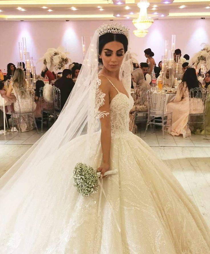 Pin von dokhtarana👑 auf Afghan wedding in 2020 | Kleider