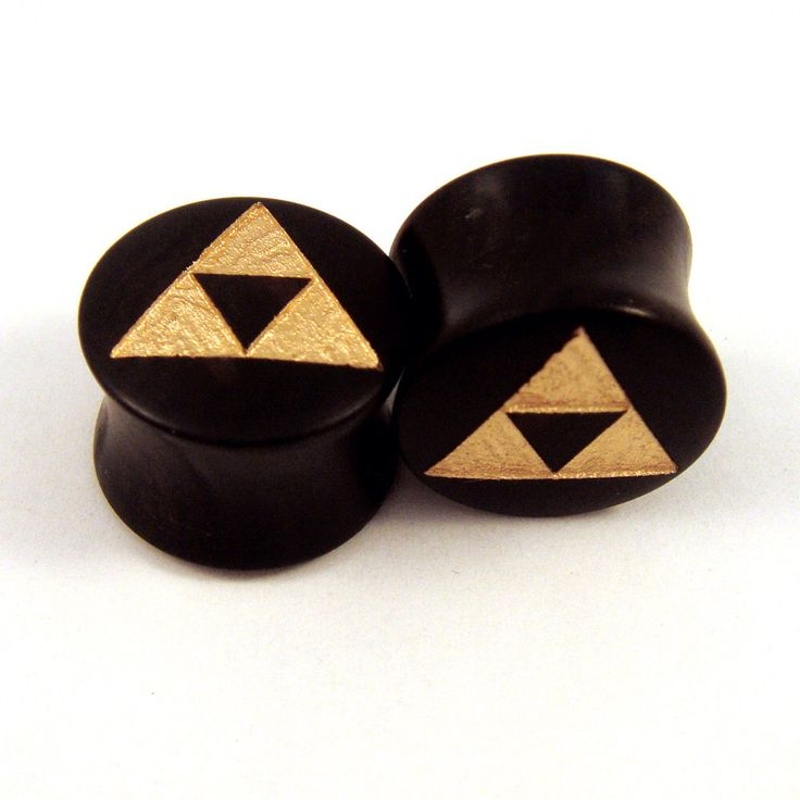 "Gold Tri Force Ebony Wooden Plugs PAIR - 2g to1 1/2"" (38mm) incl 5/8"" 16 mm 17.5mm 3/4"" 19mm 20.5mm 7/8"" 22mm 1"" 28mm Golden Wood Ear Gauges by EarEmporium on Etsy https://www.etsy.com/listing/111151310/gold-tri-force-ebony-wooden-plugs-pair"