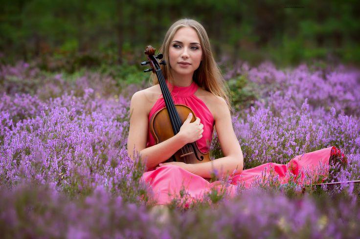 https://flic.kr/p/Lk4hAj | The violin