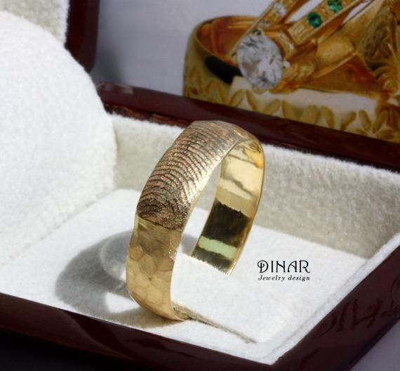 55b49c3d8d6 Personalized hammered finger print men wedding ring