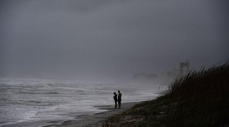 Φλόριντα: «Έξυσε» τις ακτές ο τυφώνας Μάθιου, 600.000 σπίτια στο σκοτάδι