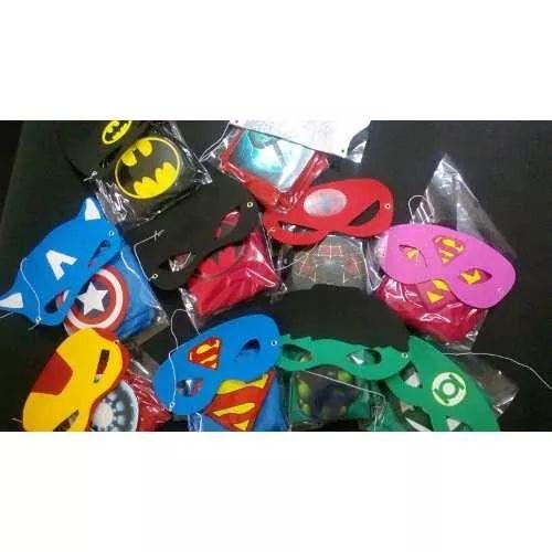 10 Capas Y Antifaz Superheroes - $ 300.00