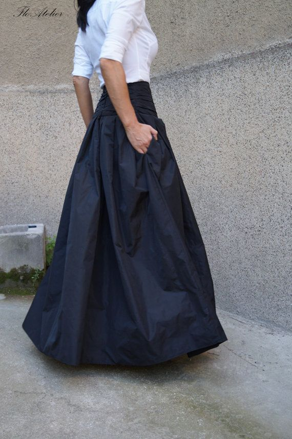 Long and flowing Taffeta skirt. Classical look. Comfortable and adds touch of elegance. Could match with fitted tops or oversized ones. Made to measure.  Available in different lengths according to your wishes :) MATERIALS  - high quality taffeta  CARE INSTRUCTIONS  -Dry clean -Hand wash -Machine Wash Cold- 30 degree   MEASUREMENTS GUIDE Size XXS (US 0, UK 4, Italian 34, French 32, German 30, Japan 1) bust - 32 inch/ 81 cm waist - 25 inch/ 63.5 cm hips - 35 inch/ 89 cm Overall ...