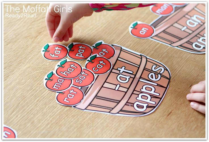 READ and SORT -at and -an family apples! TONS of FUN and effective ideas to teach kids how to READ!
