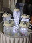 Torte für ca 150 -180€Person Essbare Blumen aus Zucker ohne draht, sind schon im Preis.