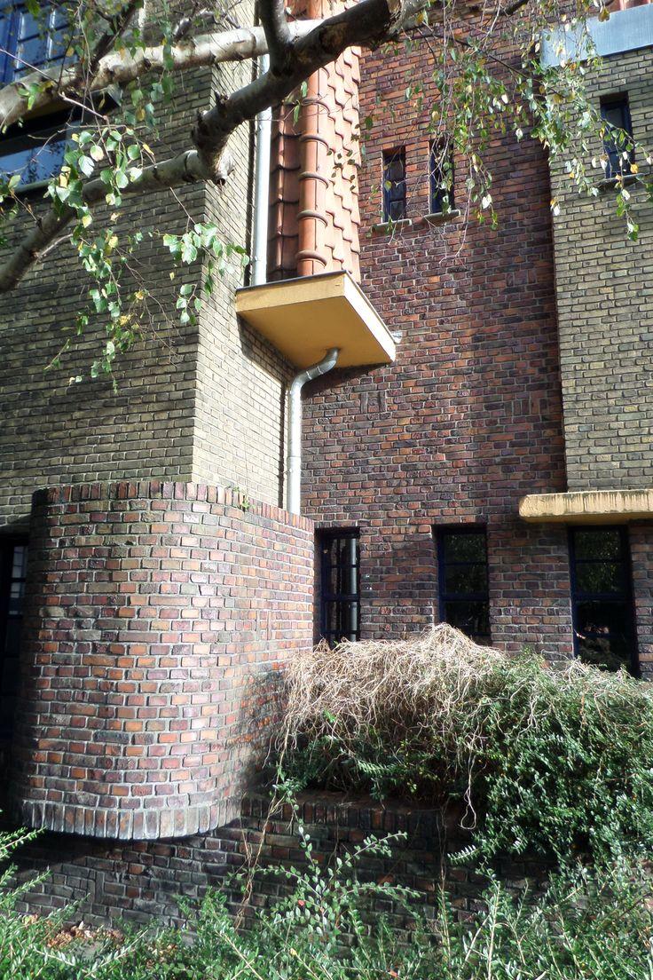 Architect S.J. Bouma, Simon van Hasseltschool, Groningen   Wendingen ~ Platform voor de Amsterdamse School