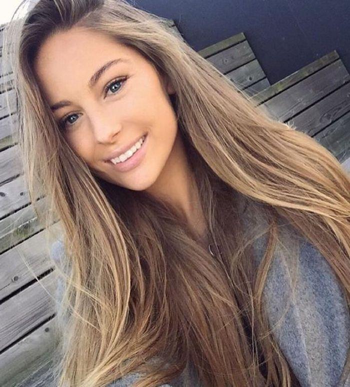 Weiblich braune augen braunblonde haare