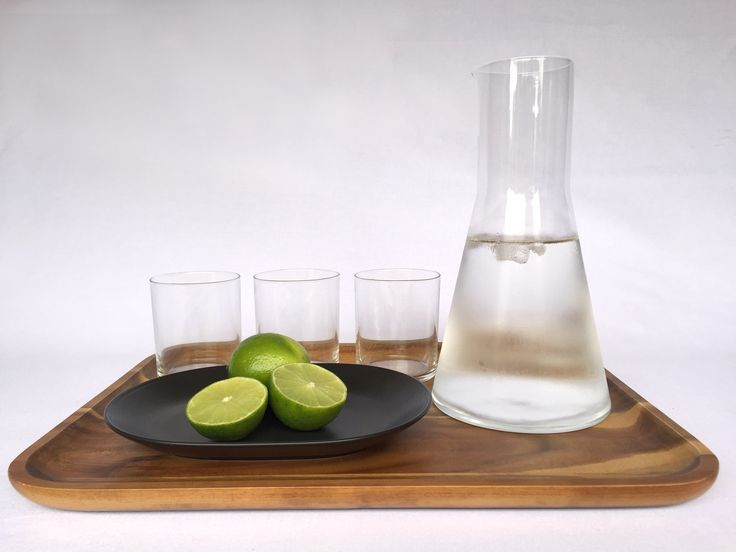 A dash of lime to bring zest to your chilled water