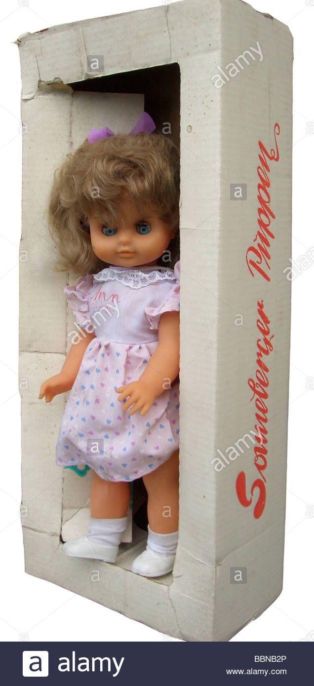 toys, dolls, Sonneberger doll in box, made by VEB Kombinat sonni, Sonneberg, GDR, 1980s, historic, historical, 20th century, Eas Stock Photo