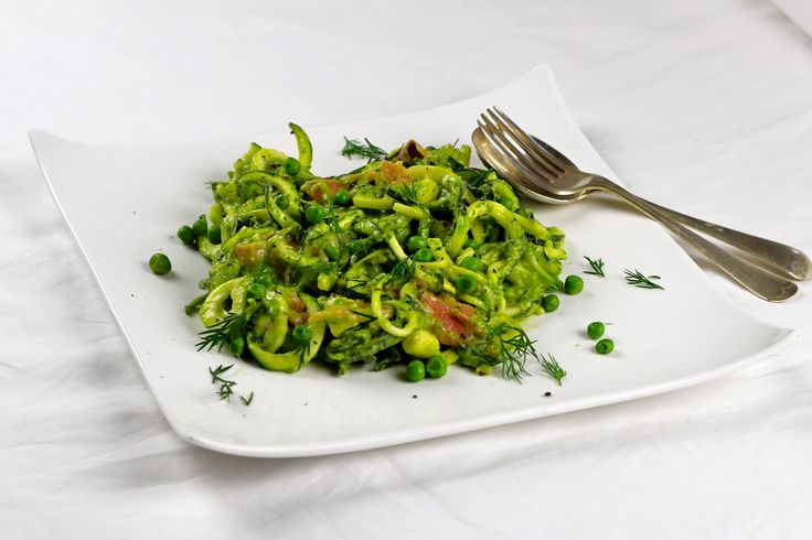 Raw Zucchini Pasta with Smoked Salmon and an Avocado and Dill Pesto – The Holistic Ingredient