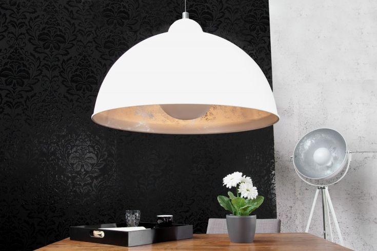Luxusní závěsné svítidlo v designu velkých lamp z fotoateliéru. Bílá závěsná…