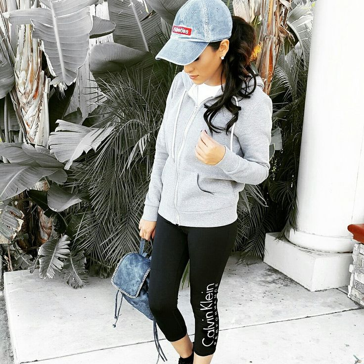 Theme park outfits for the day! Super comfy leggings from @calvinklein #ootd #outfitoftheday #nattaandvogue #seaworld #lookoftheday #fashion #fashiongram #style #love #beautiful #currentlywearing #lookbook #wiwt #whatiwore #whatiworetoday #ootdshare #outfit #clothes #wiw #mylook #fashionista #todayimwearing #instastyle #instafashion #outfitpost #fashionpost #todaysoutfit #fashiondiaries