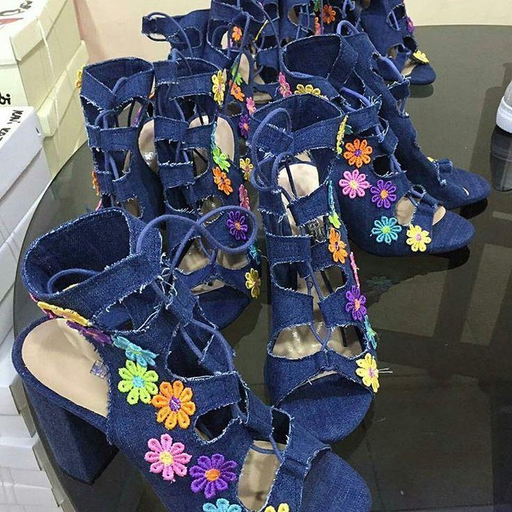 Farklı açılardan görmek için resmi sola doğru kaydırın ���� Kot ayakkabılar çiçek açtı ������ �� Hem şık hem de çok rahat. 99 TL kargo dahil kapıda ödeme. Standart kalıp. Sipariş için 0553 068 70 00 whatsapp dan iletişime geçebilirsiniz. #sandalet #yemek #giyim #butik #dövme  #telefon #çikolata #aksesuar #kuafor #kuaför #bakım #saç #çanta #istanbul #parfüm #saat #organizasyon #müzik #kitap #kahve #moda #alisveris #düğün #pantolon #tesettür #eşarp #gelinlik #nişan #kozmetik #izmir #istanbul…