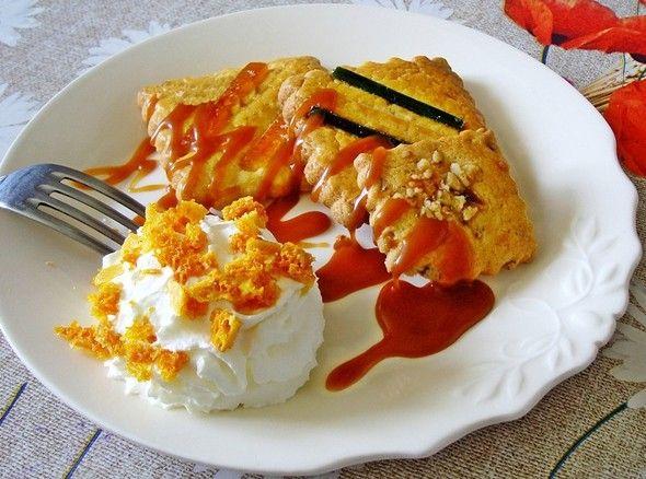 Dessert gourmand : Galettes Charentaises accompagnées de Crème caramel à la Fleur de Sel de l'Ile de Ré et sa chantilly aux éclats de Caramel Nid d'Abeille - by claudiachocolaterie17.fr