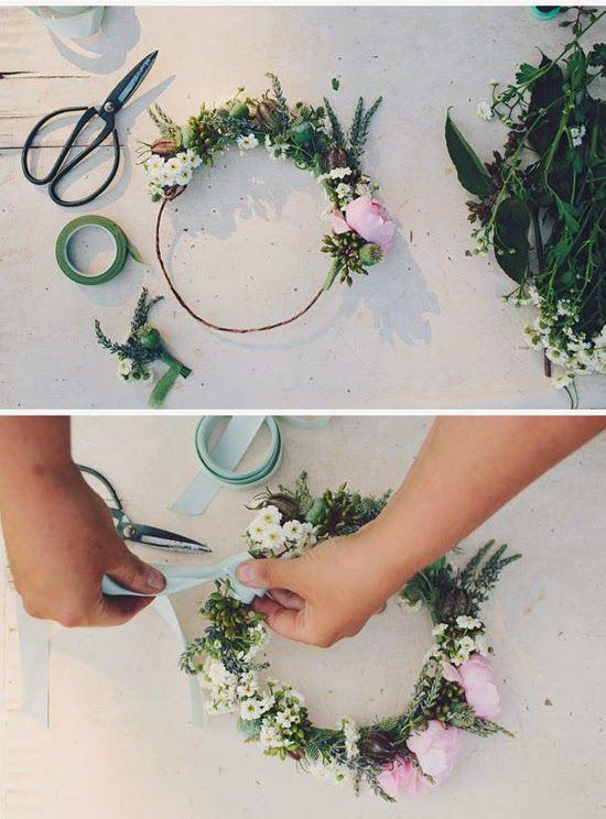 DIY Floral Crown / Corona de flores novia http://ohmyweddingplanners.blogspot.com.es/2014/03/10-coronas-de-flores-diy.html