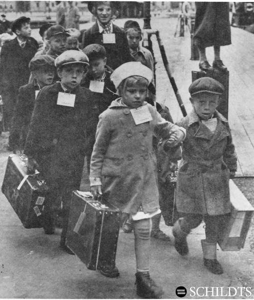 Finnish children being evacuated to Sweden - Winter War - photo in Turku