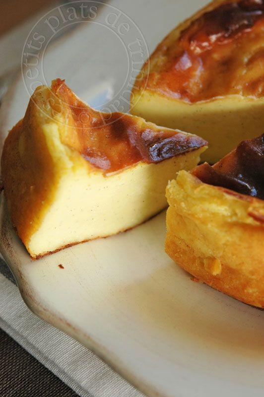 les petits plats de trinidad: Flan parisien sans pâte de Michalak  Pour 4 personnes :  500g de lait  125g de crème 125 de sucre semoule 100g de jaunes d'oeufs 50g de maïzéna 1 gousse de vanille