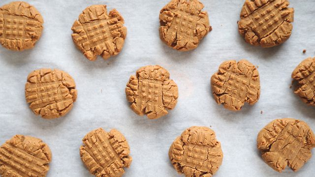 This Flourless Peanut Butter Cookies recipe from PBS Food is a quick, one bowl recipe that's ready in ten minutes.