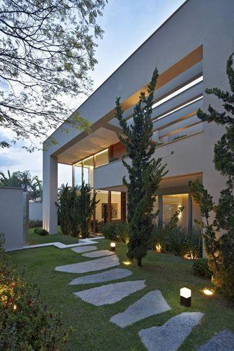 Iluminação para Jardim: Dicas e Inspirações para sua Casa