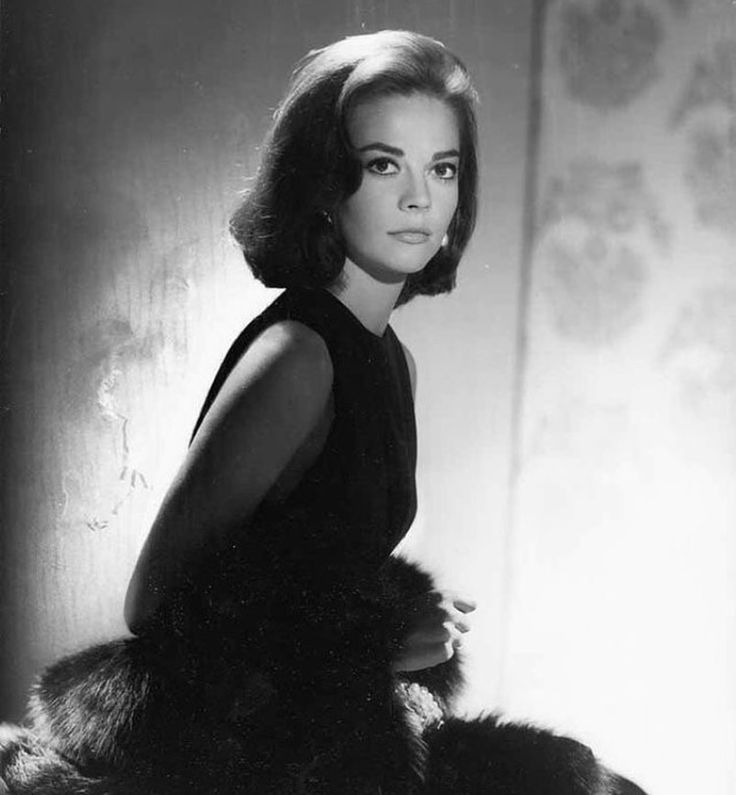 Natalie Wood died mysteriously. She feared water & ironically she drowns. No one with that fear would put themselves in a situation where being drowned could ever happen. She did it once when she was making the with Warren Beatty 'Splendor in the Grass'