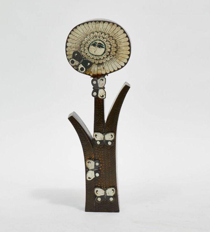 Väggskulptur, Birger Kaipiainen (1915-1988), Blomma med fjärilsdekor, höjd: 80, Rörstrand (1954-1958), Glaserad keramik